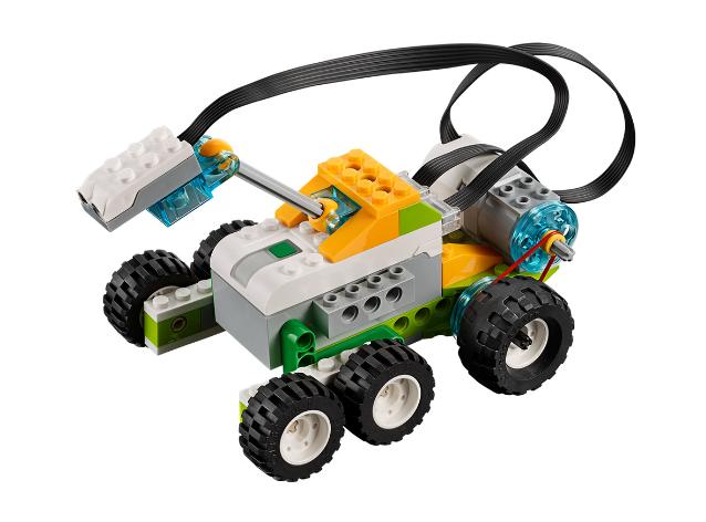 Lego WeDo 2.0 Lunar Rover